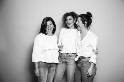 madre e hijas dia de la madre regalo joyas joyeria regalo original 2018 diseño minimalista plata collar simbolo amor de madre